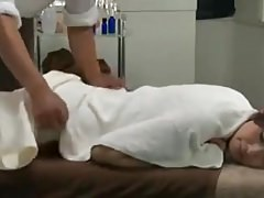Reiko Kobayakawa need a  massage