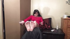 MILF Smokes and Shows Soles