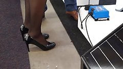 Candid lady in heels expo