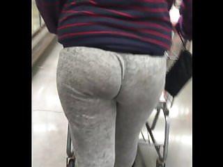 Jelly booty jiggle