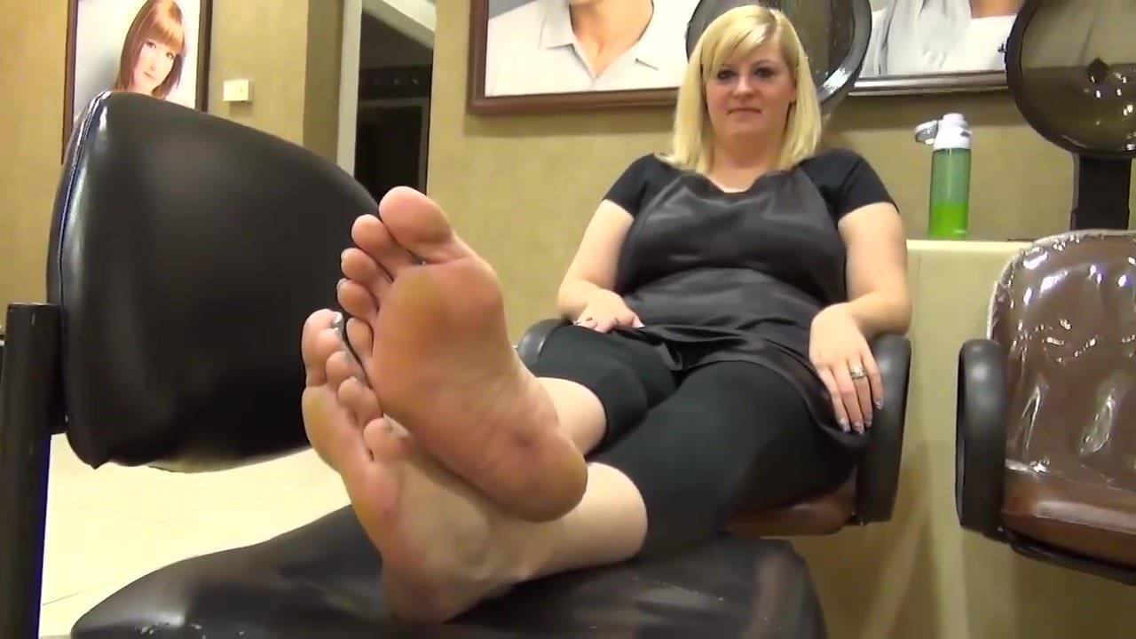 фут фетиш с сексуальной блондинкой видео что еще