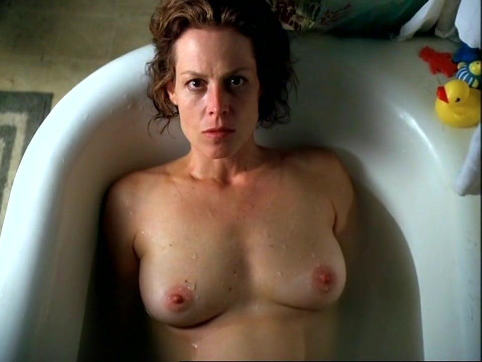 Segourney weaver nude