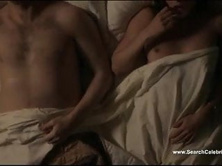Caitlin Fitzgerald And Lizzy Caplan Masters Of Sex