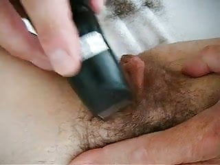 trimming and shaving yg cunt