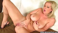 Over 40 soccer moms give their mature pussy a workout