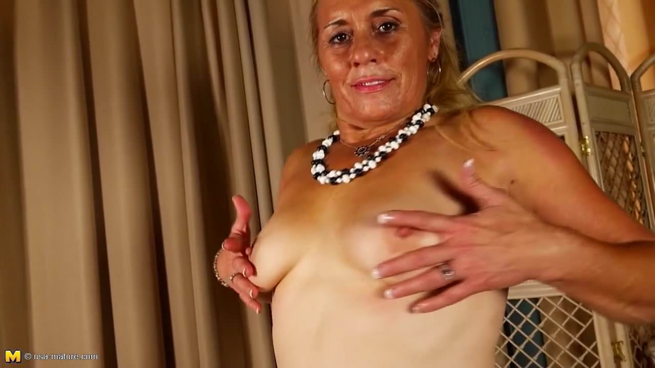amateur mature mom with hungry wet cunt, porn b5: xhamster