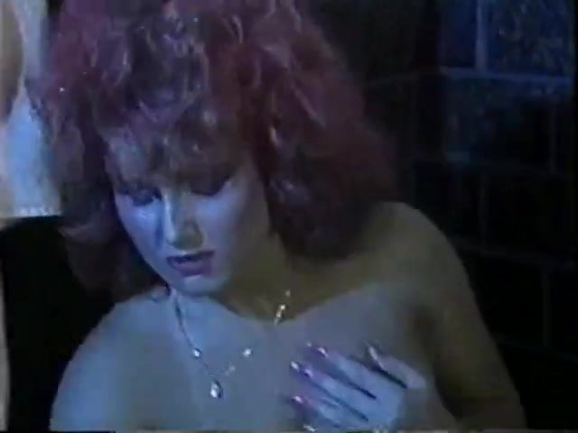 blondinka-shirokimi-porno-film-retro-odissey
