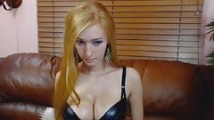 Perfect Curved Babe Get Slutty Horny