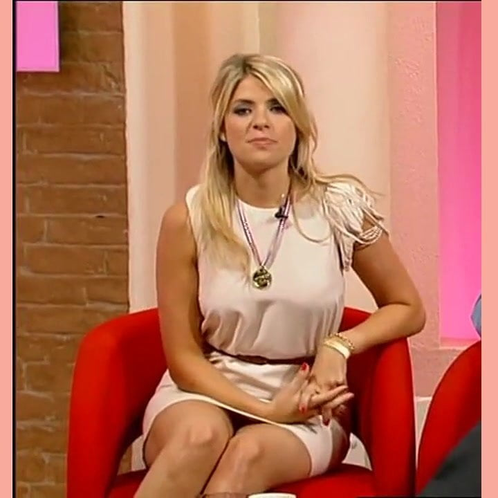 Holly willoughby pussy flash