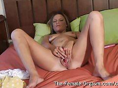 Filming Summer Masturbating Her Wet Pussy and Cumming Hard