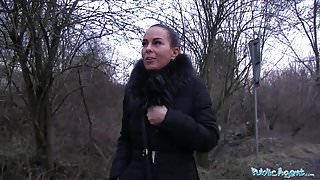 Public Agent She Shows her Tits and Fucks his Cock