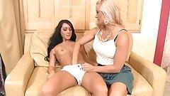 Blonde teaches his girlfriend