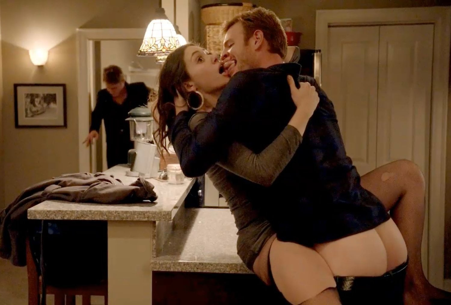 Emmy rossum sex on the kitchen counter in shameless series