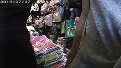 Novinha Encoxada Market - 02