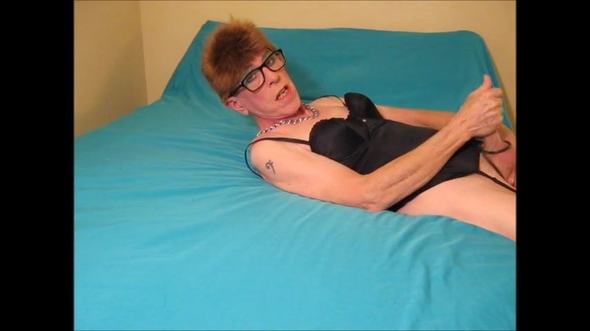 Porn pictures Tranny with long dick
