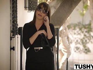 Tushy thumbs - Tushy cheating wife dana dearmond loves anal