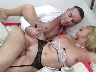 Sexy Mothers Eat N Fuck Young Cocks