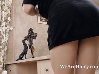 Cunt leaking pictures - Veronika mars strips and plays after pictures