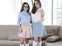 BFFs try anal together - Anita Bellini and Evelina Darling