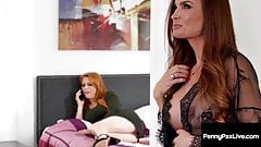 Redhead Penny Pax Does Pussy Eating Tips With Diamond Foxxx!