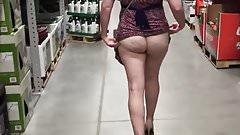 Slut wife flashing buttplug in public