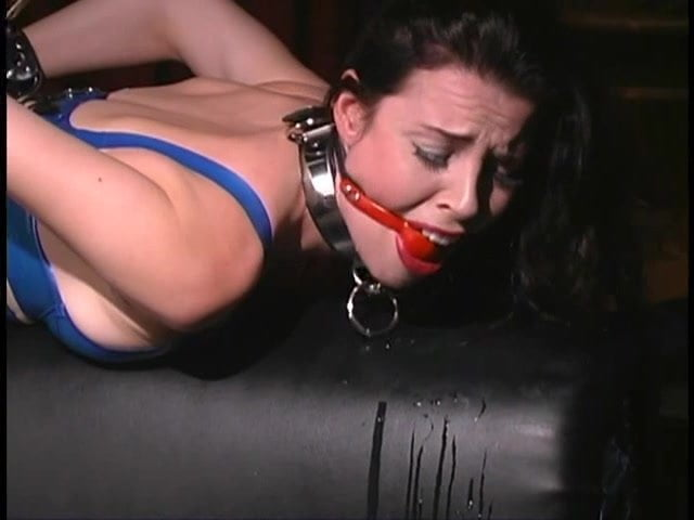 Black chicks in bondage — pic 7