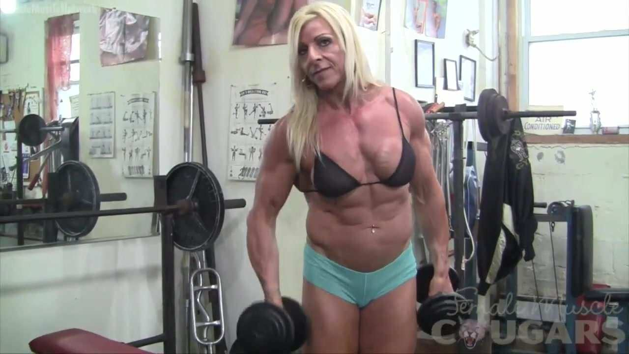 Nicole Austin sex posing