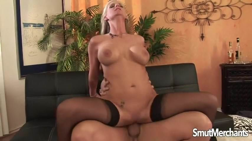 Super sexy MILF fucked and cum in mouth