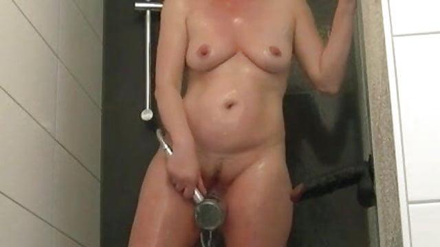 Wife wants hubby gay