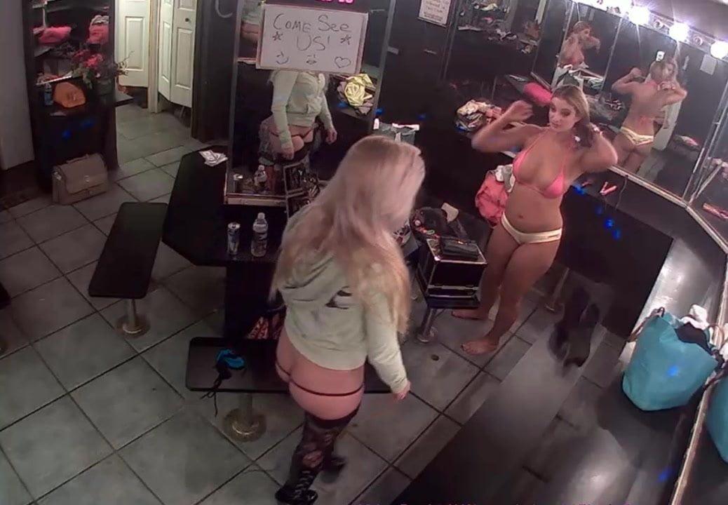striptiz-klub-skritaya-kamera-gonivo-devok-video