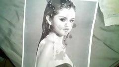 Selena Gomez Is All Wet