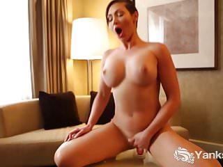Superb Yanks Nymph Yasmin Masturbating