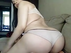 pretty face shemale showing on webcam