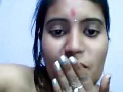 slut bhabhi show pussy on cam