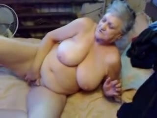 Watch my old bitch masturbating. Amateur