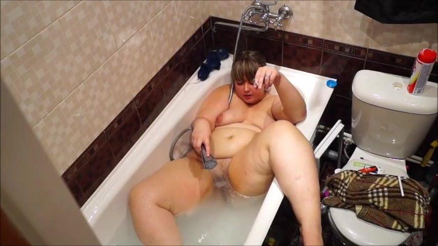мастурбация толстушки видео в душе - 11