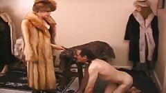 Fur Mistress 6's Thumb