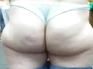 phat ass white chick showing what she's got