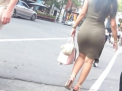 Candid - Latina Big Booty In Green Tight Dress