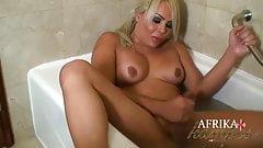 Afrika Kampos in the bath