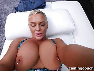Download video bokep PAWG MILF Pounded During Rap Video Audition Mp4 terbaru