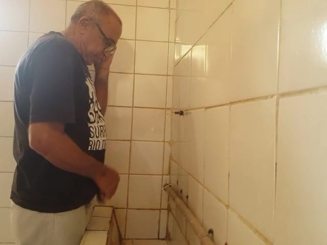 toilettes gay histoire pono