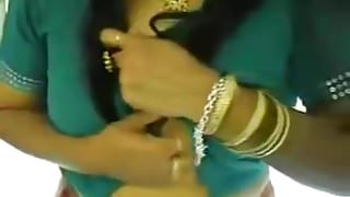 Aunty in Saree Playing