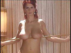 Bettie Ballhaus Striptease