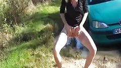 French amateur carside pee