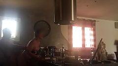 Dans la cuisine