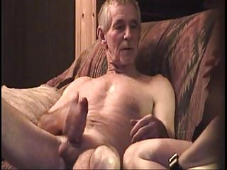 HOT HOT DARBY AND DAVE SEX ON THE SOFA