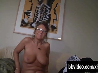 German mature wench masturbating