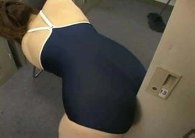 Japanese girl humps on door knob video