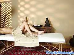 Massage amateur plowed on hiddencam